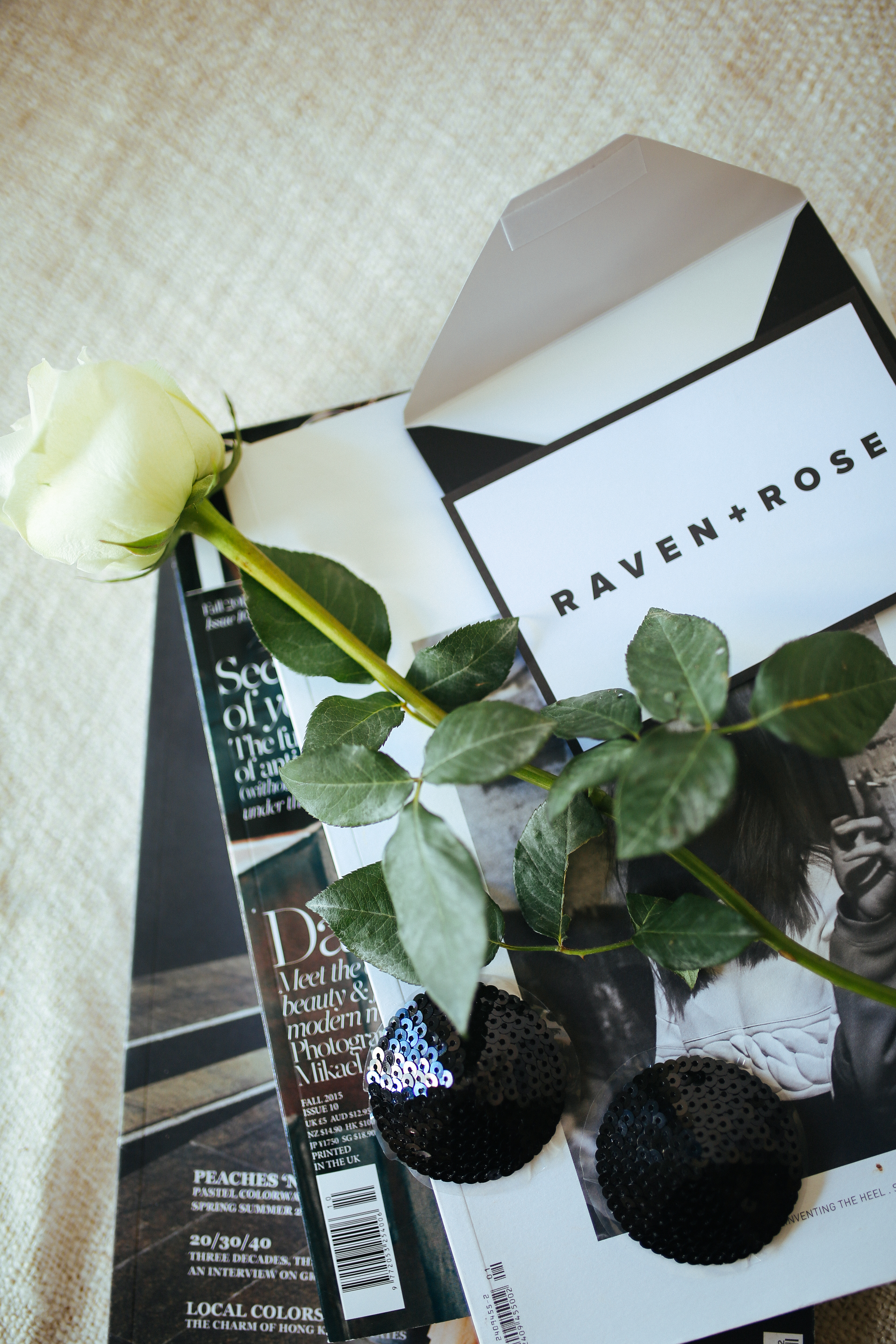 Unboxing RAVEN + ROSE with Sofie Jacobs